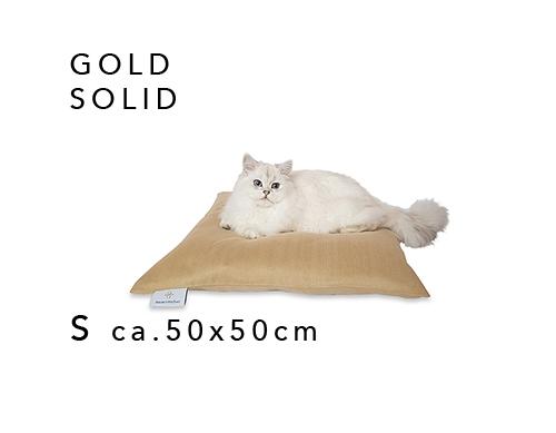 media/image/S-GOLD-SOLID-katze-katzen-babykatze-katzenkissen-katzenbett-katzenkoerbchen-katzenkorb-darlinglittleplace-darling-little-place.jpg